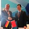 Partner agreement: Liu Jianjun (CFTC) with Dr. Christoph Feldmann (BME)
