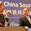 Moderator Hans-Joachim Lumbe with Keynote Frank Sieren (Correspondant in Peking)